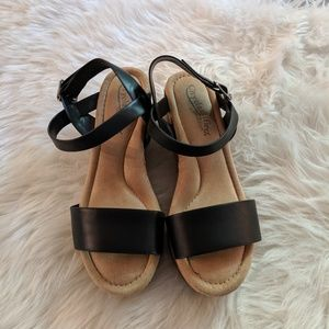 Black cork-wedge sandal